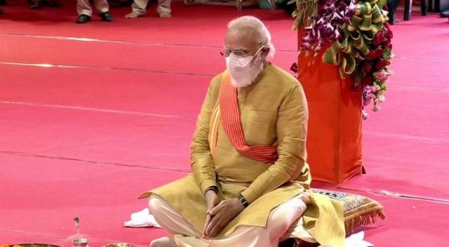 भारतीय प्रधानमन्त्री नरेन्द्र मोदीद्वारा राम मन्दिरको भूमिपूजनका साथै शिलान्यास