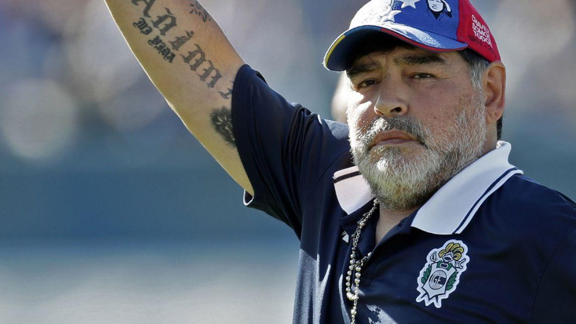 अलबिदा डिएगो म्याराडोना, अस्ताए चर्चित फुटबल खेलाडी