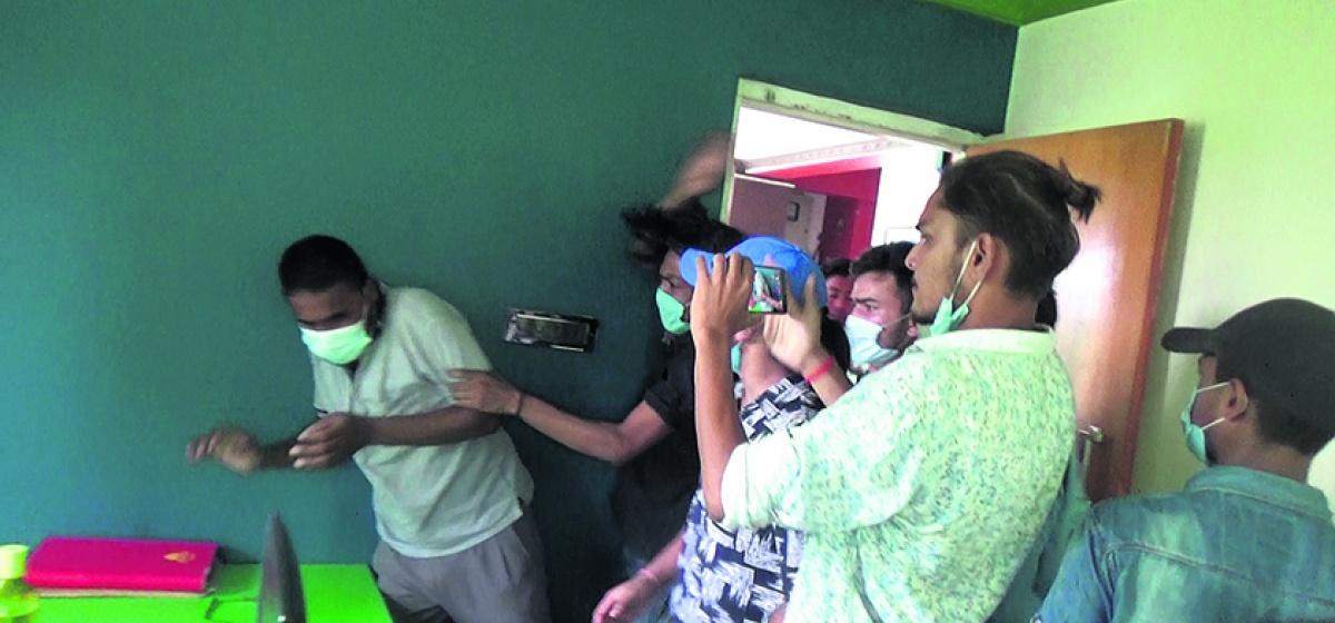 पत्रकार महासंघको टोलि धनगढीमा : दिनेश संचारगृहमा भएको आक्रमण बारे अनुसन्धान गरिने
