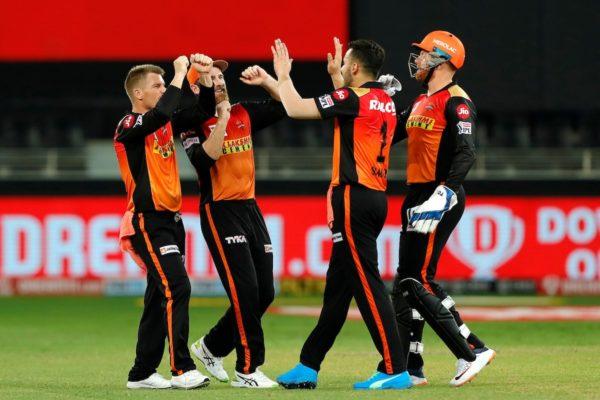 सनराइजर्स हैदराबादले चेन्नई सुपर किङ्सलाई ७ रनले पराजित IPL-2020