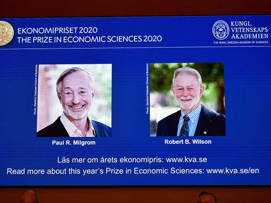 अर्थशास्त्रतर्फको नोबेल पुरस्कार (nobel prize) दुई जना अमेरिकी नागरिकलाई प्रदान