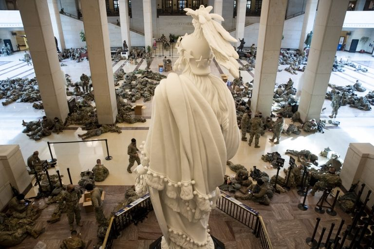 अमेरिकी संसद् भवनमा क्यापिटल हिंसापछि यसरी परिचालन गरियो सशस्त्र फौज