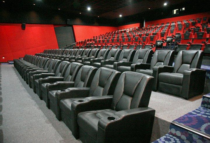 दस महिना पछी फिल्म हल खोल्ने अनुमति