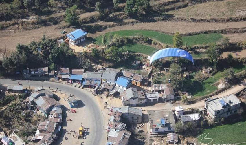 डोटीमा प्याराग्लाइडिङ: आन्तरिक पर्यटकको आकर्षण केन्द्र सुदुरपस्चिम