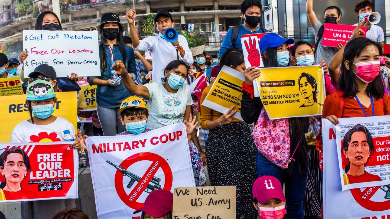 म्यानमारमा सैनिक 'कू' विरुद्धको प्रदर्शनमा सुरक्षाकर्मीको गोली लागेर दुईको मृत्यु