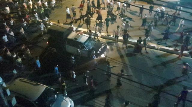 सैनिक शासन पछी असुरक्षित नागरिकहरू रातभर गस्तीमा निस्किन थाले