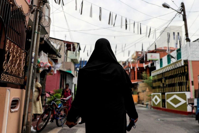 श्रीलंकाले मुस्लिम बुर्कामाथि प्रतिबन्ध लगायो: इस्लामिक स्कुल समेत बन्द