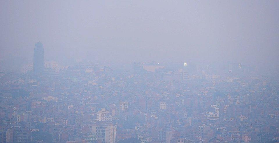 वायुप्रदूषण बढ्दै, जरूरी काम बाहेक बाहिर ननिस्कन विज्ञको सुझाव