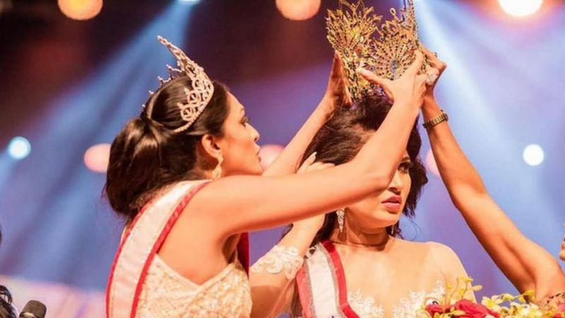 मिसेस श्रीलङ्काः मञ्चमै झगडा परेपछि उपाधि विजेता प्रतियोगी 'घाइते'