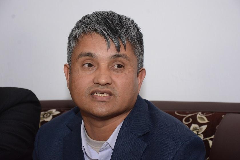 'समानान्तर कमिटीको घोषणाले प्रचण्डको पोल्टामा पुर्याउने छ'