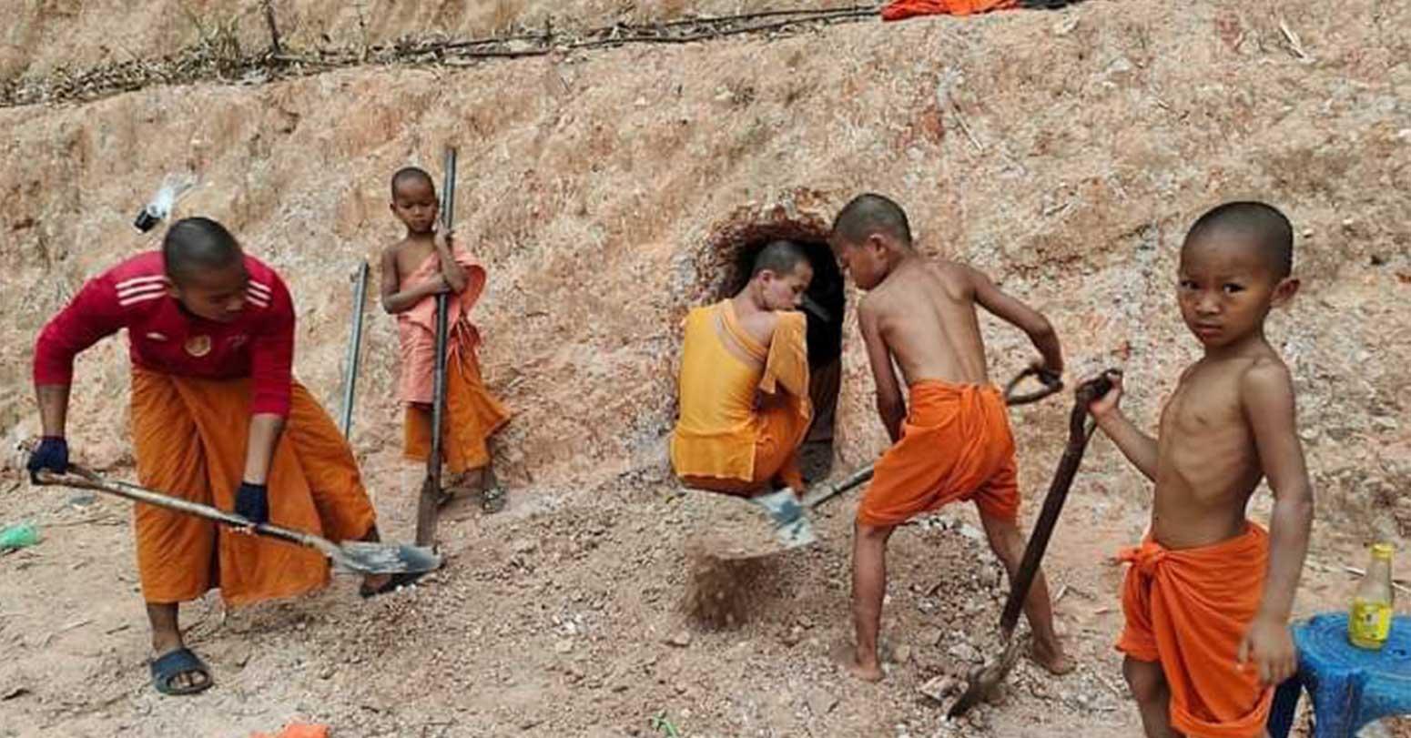 म्यानमारका भिक्षु सुरक्षित रहन बंकर बनाउँदै