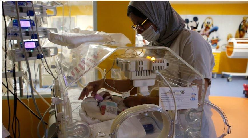 मोरक्कोमा एक महिलाले नौ जना शिशुलाई जन्म दिइन्