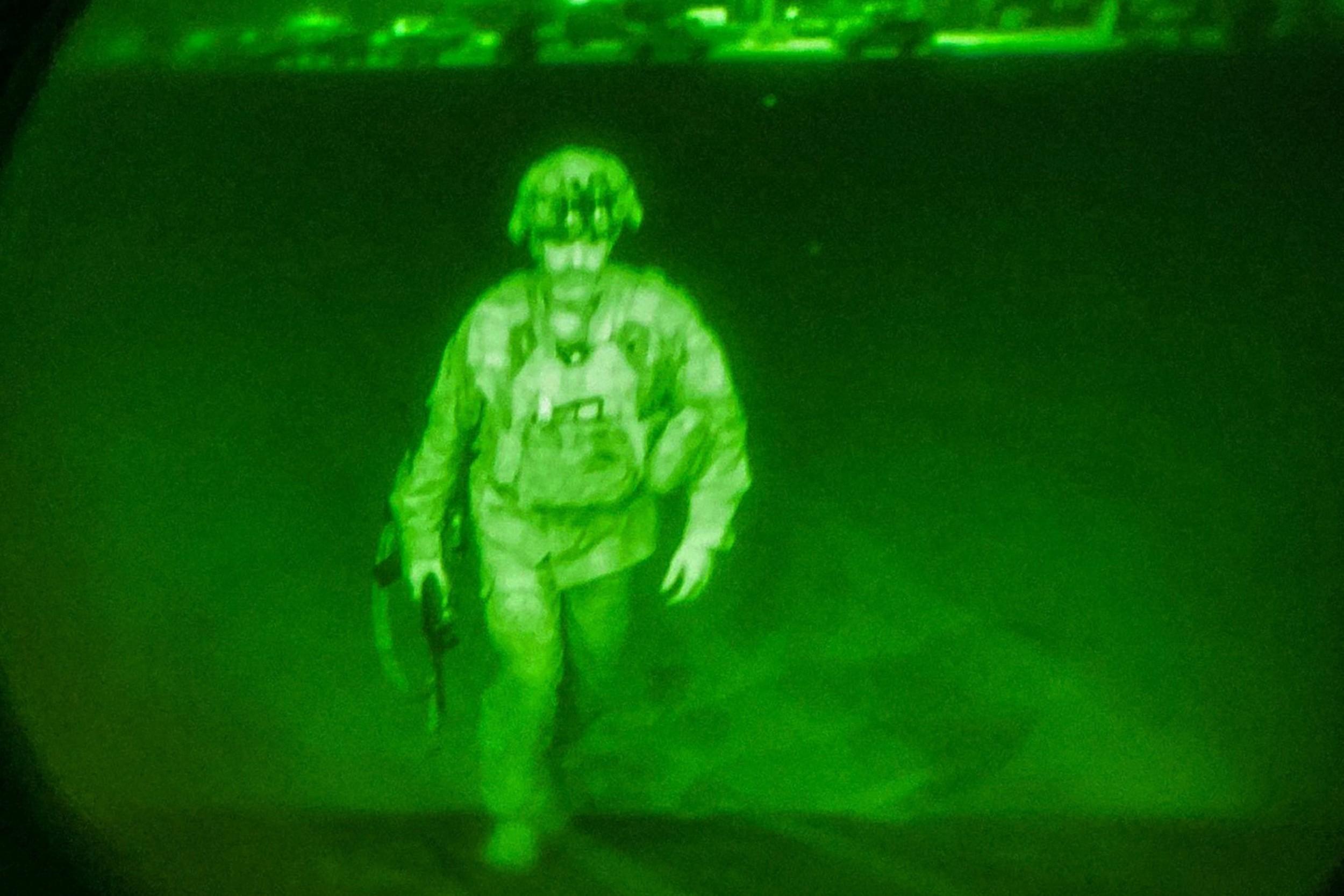अफगानिस्तान छोड्यो अन्तिम अमेरिकी सैनिकले, सबै सैन्य सामग्री ध्वस्त पारियो