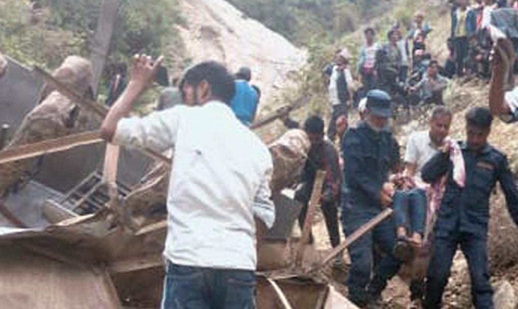 मुगुमा 'बसको टायर पङ्चर हुँदा दुर्घटना' भएको खुलासा